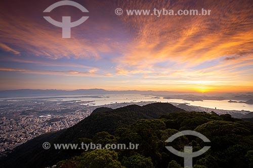 Vista do amanhecer na zona norte a partir do Morro do Sumaré  - Rio de Janeiro - Rio de Janeiro (RJ) - Brasil
