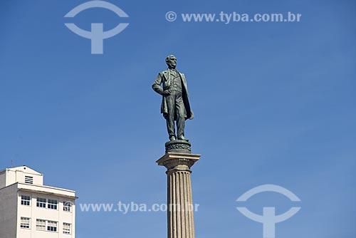 Detalhe de Monumento à Visconde de Mauá na Praça Mauá  - Rio de Janeiro - Rio de Janeiro (RJ) - Brasil