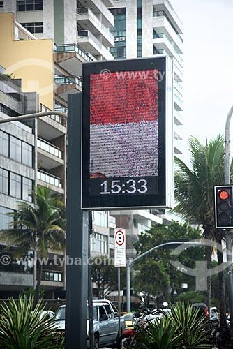 Detalhe de relógio de rua na orla da Praia de Ipanema  - Rio de Janeiro - Rio de Janeiro (RJ) - Brasil