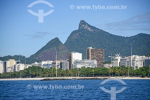 Vista do Cristo Redentor durante passeio turístico de barco na Baía de Guanabara  - Rio de Janeiro - Rio de Janeiro (RJ) - Brasil
