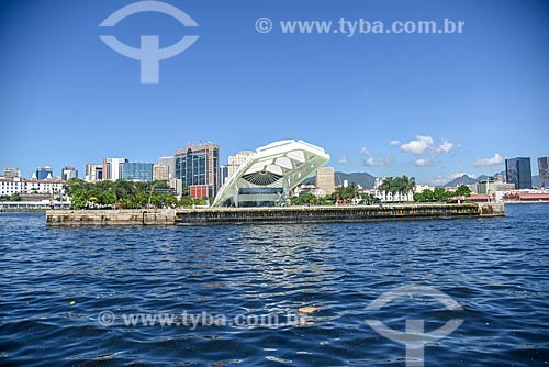 Vista do Museu do Amanhã durante passeio turístico de barco na Baía de Guanabara  - Rio de Janeiro - Rio de Janeiro (RJ) - Brasil