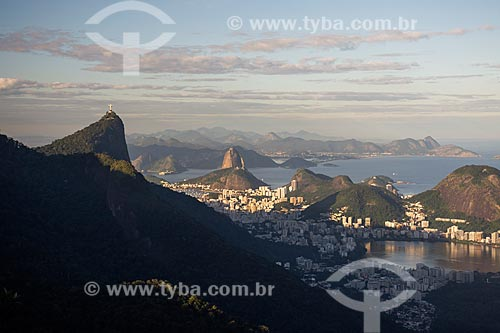 Vista do Cristo Redentor e Pão de Açúcar a partir da Pedra da Proa  - Rio de Janeiro - Rio de Janeiro (RJ) - Brasil