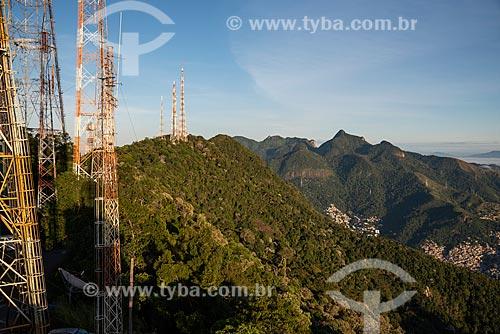 Vista do amanhecer no Morro do Sumaré com o Morro do Borel ao fundo  - Rio de Janeiro - Rio de Janeiro (RJ) - Brasil