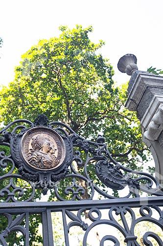 Detalhe do portão do Mestre Valentim no Passeio Público do Rio de Janeiro (1783)  - Rio de Janeiro - Rio de Janeiro (RJ) - Brasil