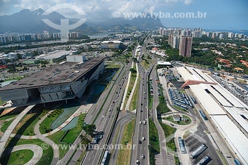 Foto aérea da Cidade das Artes - antiga Cidade da Música - à esquerda - com o Terminal Alvorada - à direita  - Rio de Janeiro - Rio de Janeiro (RJ) - Brasil