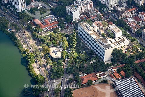 Foto aérea do Hospital Federal da Lagoa com a Igreja de São José (1961)  - Rio de Janeiro - Rio de Janeiro (RJ) - Brasil