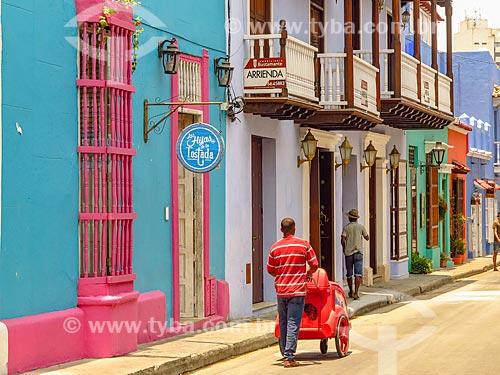 Vendedor ambulante de frutas na cidade de Cartagena  - Cartagena - Departamento de Bolívar - Colômbia
