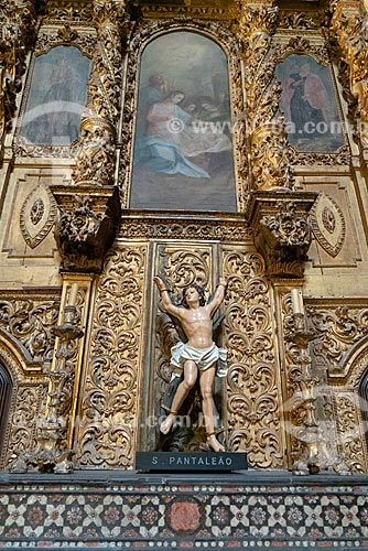 Altar lateral da Catedral da Sé do Porto (Igreja de Nossa Senhora da Assunção) - 1737  - Porto - Distrito do Porto - Portugal