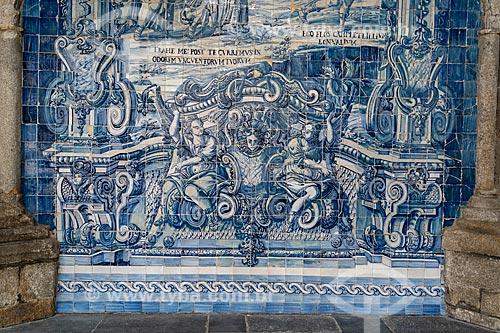 Painel de azulejo no pátio interno da Catedral da Sé do Porto (Igreja de Nossa Senhora da Assunção) - 1737  - Porto - Distrito do Porto - Portugal
