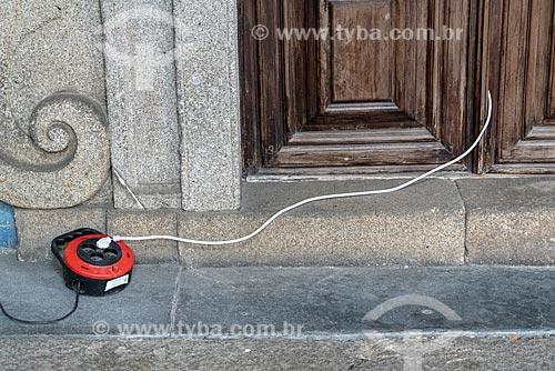 Detalhe de extensão elétrica na Catedral da Sé do Porto (Igreja de Nossa Senhora da Assunção) - 1737  - Porto - Distrito do Porto - Portugal