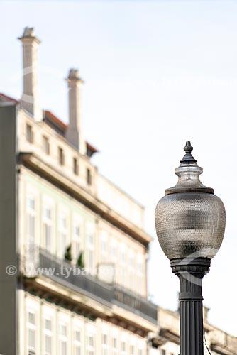 Detalhe de poste na cidade do Porto  - Porto - Distrito do Porto - Portugal