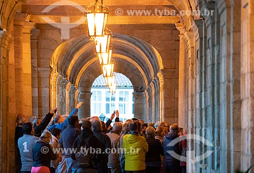 Visitantes no interior da Catedral da Santiago de Compostela (1112)  - Santiago de Compostela - Província de Corunha - Espanha