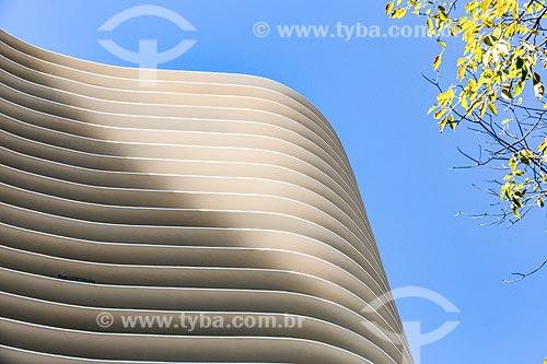 Detalhe da fachada do Edifício Niemeyer (1955) na Praça da Liberdade  - Belo Horizonte - Minas Gerais (MG) - Brasil