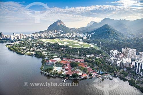 Foto aérea da Lagoa Rodrigo de Freitas, Hipódromo da Gávea e o Clube Naval Piraquê com o Morro Dois Irmãos e a Pedra da Gávea ao fundo  - Rio de Janeiro - Rio de Janeiro (RJ) - Brasil