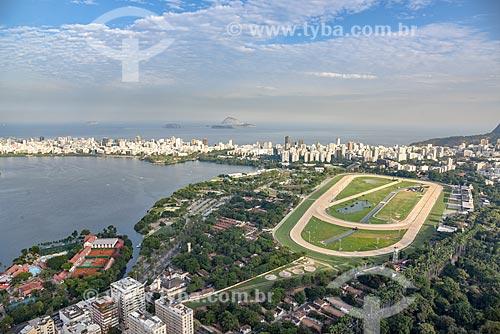 Foto aérea da Lagoa Rodrigo de Freitas com o Hipódromo da Gávea e o Clube Naval Piraquê  - Rio de Janeiro - Rio de Janeiro (RJ) - Brasil