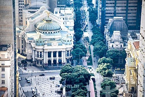 Foto aérea da Cinelândia com o Theatro Municipal do Rio de Janeiro (1909) e o Museu Nacional de Belas Artes (1938) ao fundo  - Rio de Janeiro - Rio de Janeiro (RJ) - Brasil
