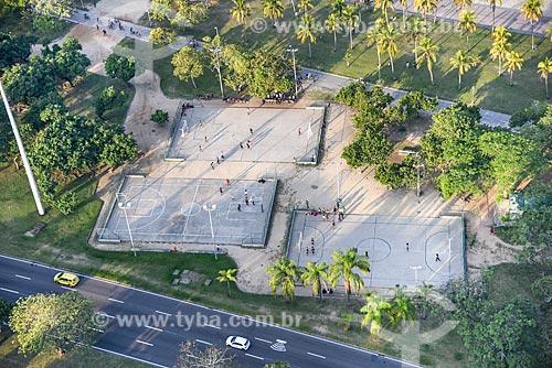 Foto aérea de quadras de futebol no Aterro do Flamengo  - Rio de Janeiro - Rio de Janeiro (RJ) - Brasil