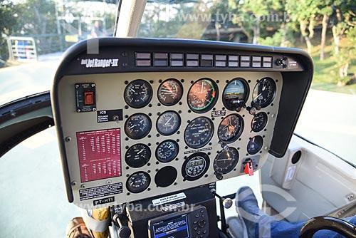 Detalhe de painel de controle de helicóptero modelo Bell Jet Ranger III  - Rio de Janeiro - Rio de Janeiro (RJ) - Brasil