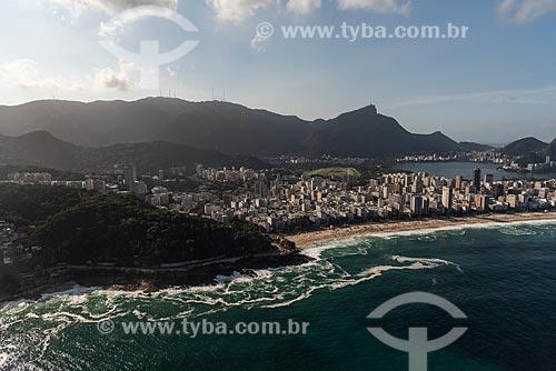 Foto aérea da Avenida Niemeyer com a Praia do Leblon à direita  - Rio de Janeiro - Rio de Janeiro (RJ) - Brasil
