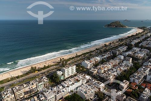 Foto aérea da Praia do Recreio dos Bandeirantes com a Pedra do Pontal ao fundo  - Rio de Janeiro - Rio de Janeiro (RJ) - Brasil
