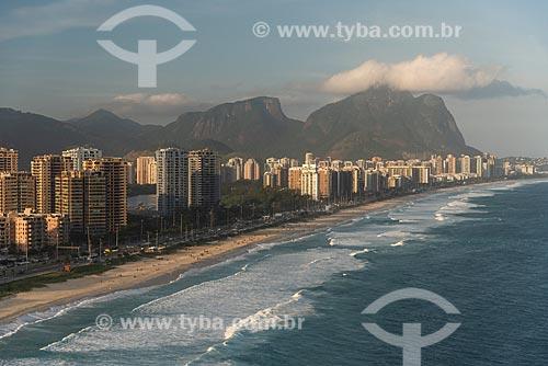 Foto aérea da Praia da Barra da Tijuca com a Pedra da Gávea e a Pedra Bonita ao fundo  - Rio de Janeiro - Rio de Janeiro (RJ) - Brasil