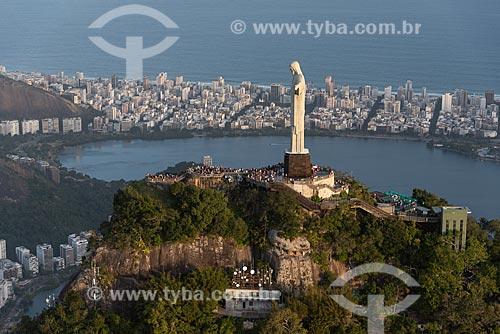 Foto aérea do Cristo Redentor (1931) com a Lagoa Rodrigo de Freitas ao fundo  - Rio de Janeiro - Rio de Janeiro (RJ) - Brasil