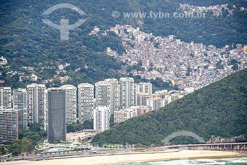 Foto aérea do bairro de São Conrado com a Favela da Rocinha  - Rio de Janeiro - Rio de Janeiro (RJ) - Brasil