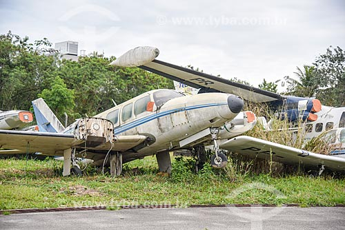 Detalhe de sucata de avião no Aeroporto Roberto Marinho - mais conhecido como Aeroporto de Jacarepaguá  - Rio de Janeiro - Rio de Janeiro (RJ) - Brasil