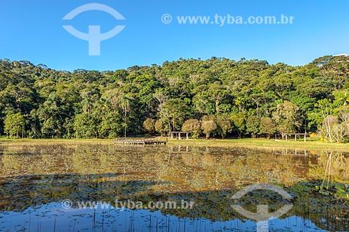 Vista geral de lago no Jardim Botânico da Universidade Federal de Juiz de Fora  - Juiz de Fora - Minas Gerais (MG) - Brasil
