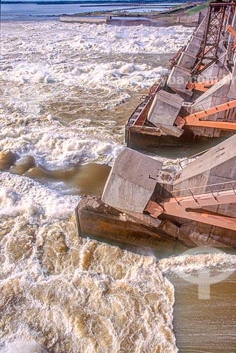 Represa da Usina Hidrelétrica Binacional Yacyretá  - Ayolas - Departamento de Misiones - Paraguai