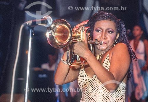 Cantora Alcione tocando trompete - década de 70  - Rio de Janeiro - Rio de Janeiro (RJ) - Brasil