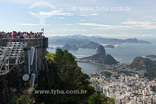 Vista da Enseada de Botafogo com o Pão de Açúcar a partir do mirante do Cristo Redentor  - Rio de Janeiro - Rio de Janeiro (RJ) - Brasil