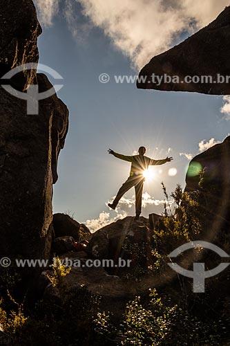 Homem no Morro do Couto - Parque Nacional de Itatiaia  - Itatiaia - Rio de Janeiro (RJ) - Brasil