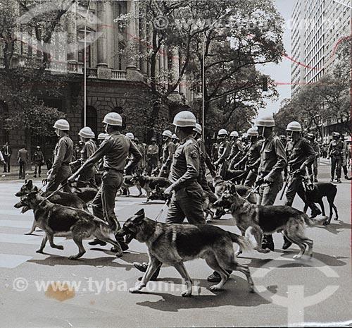 Repressão às manifestações durante o Regime Militar - Passeata do MDB  - Rio de Janeiro - Rio de Janeiro (RJ) - Brasil