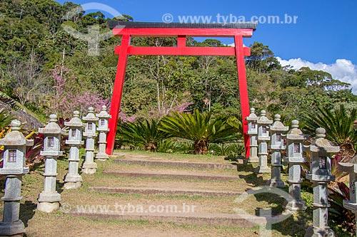 Detalhe de Torii - portão tradicional japonês - no Vale do Amor  - Petrópolis - Rio de Janeiro (RJ) - Brasil