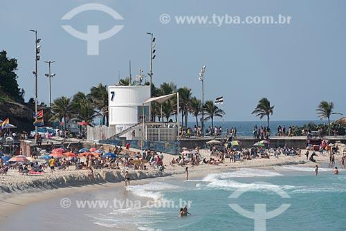 Banhistas na Praia do Arpoador - Posto 7  - Rio de Janeiro - Rio de Janeiro (RJ) - Brasil