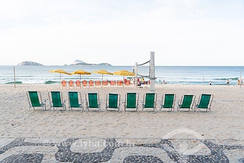 Cadeiras de praia na orla da Praia de Ipanema  - Rio de Janeiro - Rio de Janeiro (RJ) - Brasil