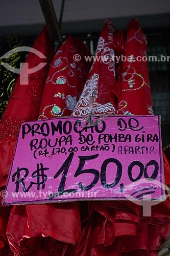 Roupa de Candomblé à venda no Grande Mercado de Madureira (1959) - mais conhecido como Mercadão de Madureira  - Rio de Janeiro - Rio de Janeiro (RJ) - Brasil