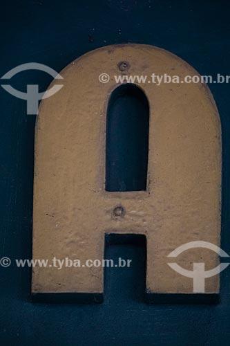 Detalhe de letreiro com a letra: A  - Rio de Janeiro - Rio de Janeiro (RJ) - Brasil