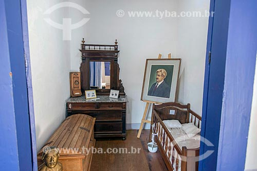 Objetos e berço em quarto na casa onde Osvaldo Cruz morou em São Luiz do Paraitinga  - São Luís do Paraitinga - São Paulo (SP) - Brasil