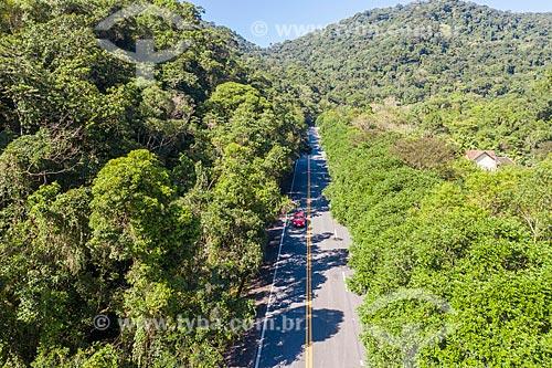 Foto feita com drone de trecho da Rodovia Governador Mário Covas (BR-101) na Área de Proteção Ambiental de Cairuçu  - Paraty - Rio de Janeiro (RJ) - Brasil