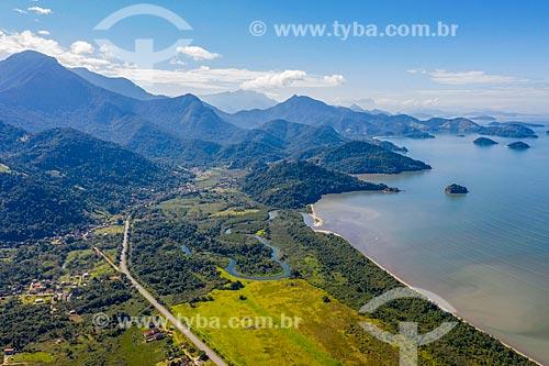 Foto feita com drone da Rodovia Governador Mário Covas (BR-101) - neste trecho também conhecida como Rodovia Procurador Haroldo Fernandes Duarte  - Paraty - Rio de Janeiro (RJ) - Brasil