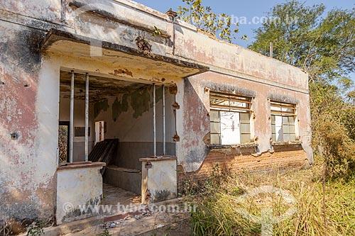 Prédio abandonado da antiga escola rural Pedro Alves Vieira  - Guarani - Minas Gerais (MG) - Brasil