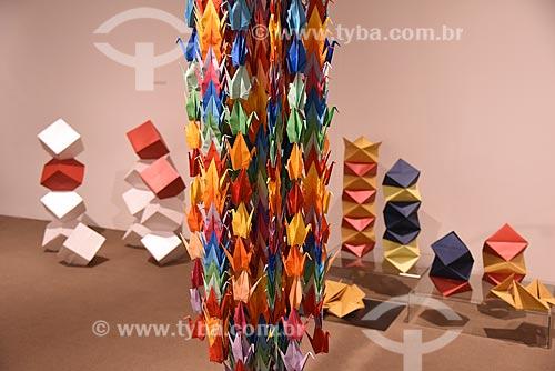 Detalhe de origamis Tsuru (pássaro) em exibição no Centro Cultural Correios (1922)  - Rio de Janeiro - Rio de Janeiro (RJ) - Brasil