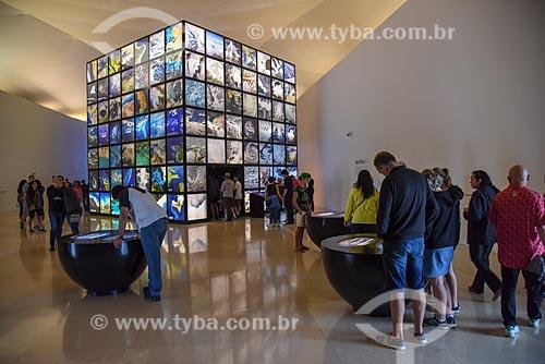 Mesas interativas com informações sobre o universo no interior do Museu do Amanhã  - Rio de Janeiro - Rio de Janeiro (RJ) - Brasil