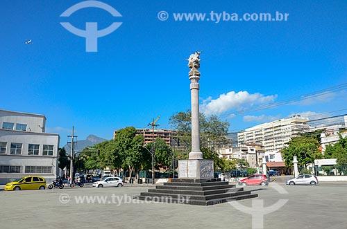 Coluna de Persépolis - monumento doado à cidade do Rio de Janeiro pela República Islamica do Irã e inaugurada durante a Conferência Rio +20 - na Praça Pedro II  - Rio de Janeiro - Rio de Janeiro (RJ) - Brasil