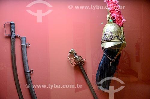 Detalhe de espada e capacete da Guarda de Pedro I em exibição no Museu Militar Conde de Linhares (1921) - parte do acervo permanente Evolução do Armamento  - Rio de Janeiro - Rio de Janeiro (RJ) - Brasil