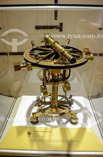 Teodolito em exibição no Museu de Astronomia e Ciências Afins (MAST) no Observatório Nacional  - Rio de Janeiro - Rio de Janeiro (RJ) - Brasil