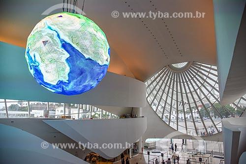 Globo gigante que mostra - em tempo real - as correntes marítimas e climáticas da Terra no Museu do Amanhã  - Rio de Janeiro - Rio de Janeiro (RJ) - Brasil
