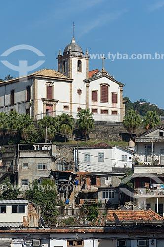 Vista de casa simples com o Convento e Igreja de Santa Teresa (Século XVIII)  - Rio de Janeiro - Rio de Janeiro (RJ) - Brasil